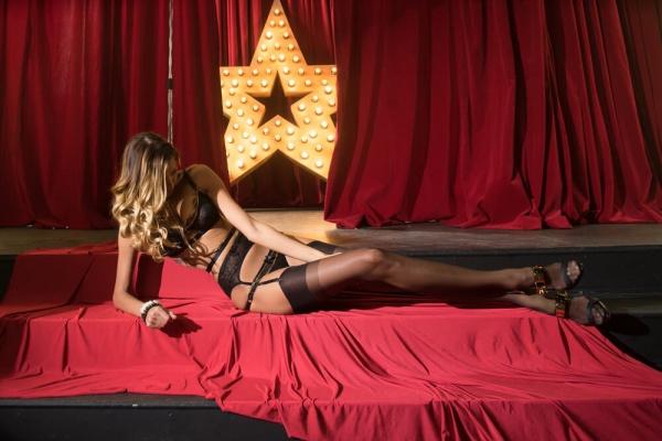 atmosphere in a strip club Romansa Nightclub 1