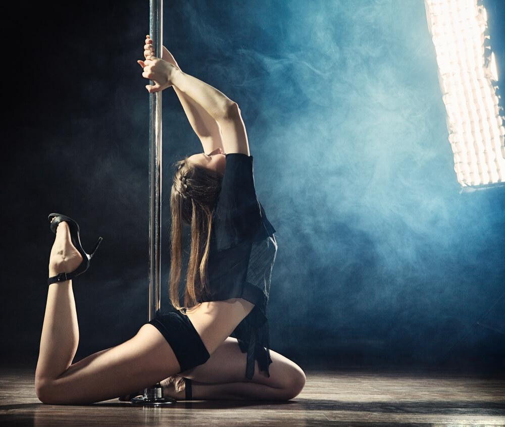 benefits of a strip club Romansa Nightclub 2