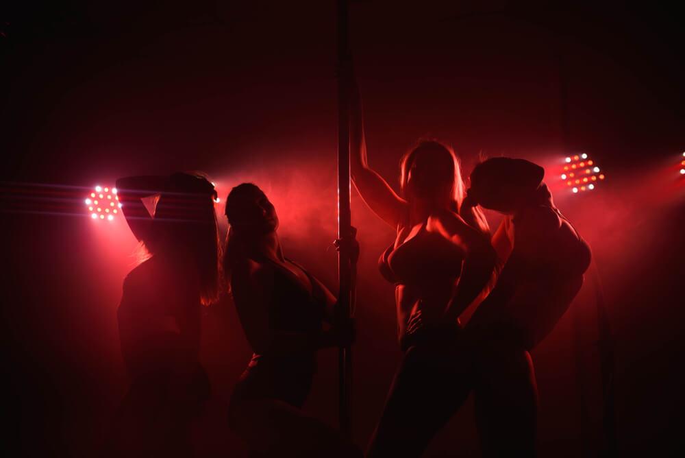benefits of a strip club Romansa Nightclub 3