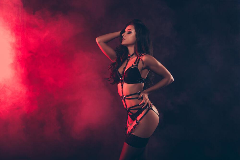 dress code in a strip club Romansa Nightclub 3