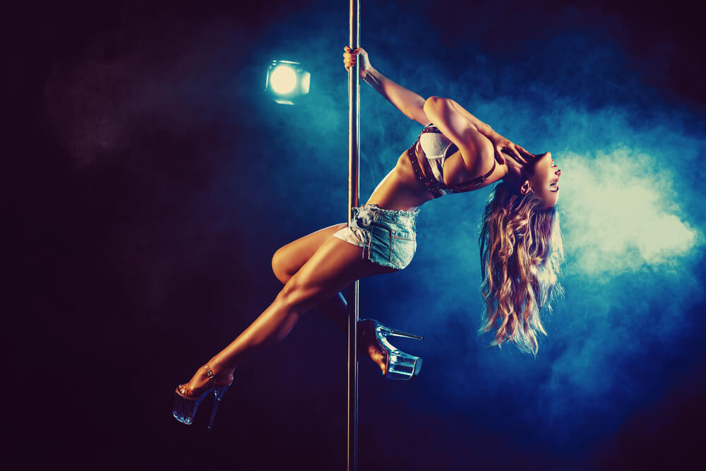 great time in a strip club Romansa Nightclub 2