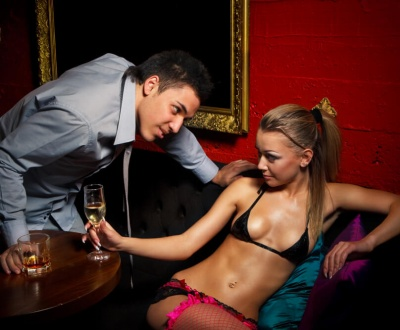 how to pick up a stripper Romansa Nightclub 1