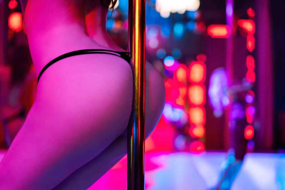 when to visit a strip club Romansa Nightclub 3